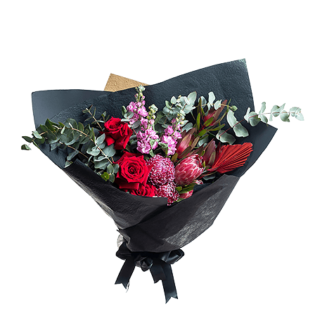Classic Romantic flower arrangement in Premium size
